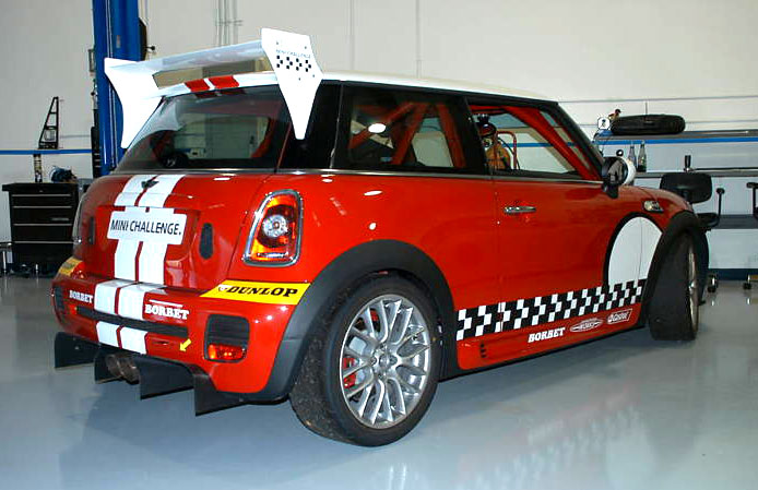 mini challenge race car for sale in the us motoringfile. Black Bedroom Furniture Sets. Home Design Ideas