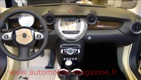 Photoshop of MINI Crossover Interior from Automobile.fr