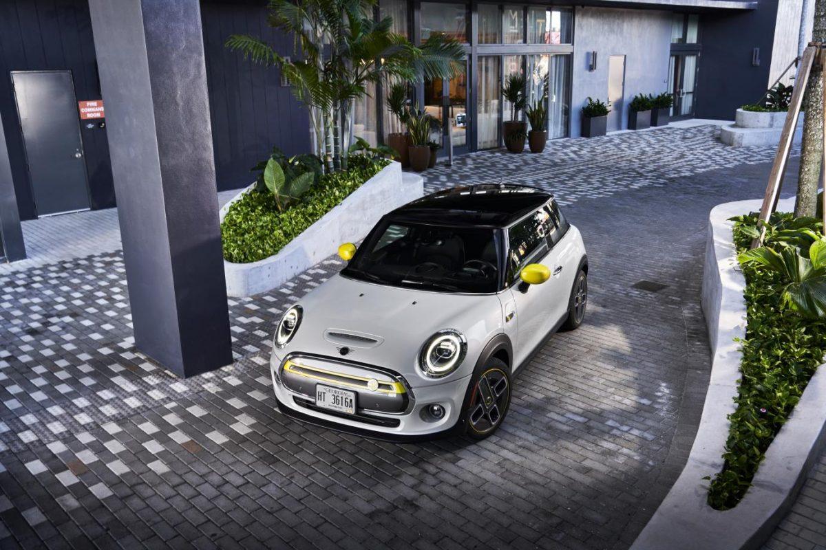 electric Mini Cooper SE