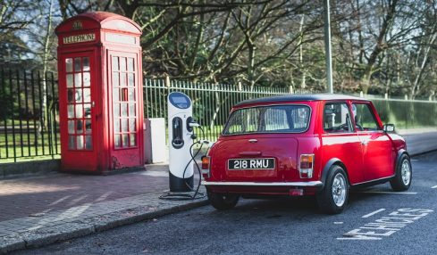 Classic electric mini